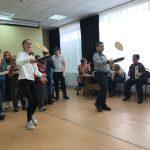 «Всей семьей на Масленицу!» – в пугачевском КЦСОН прошла игровая программа