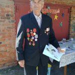 Сотрудники КЦСОН Пугачевского района поздравили с 90-летием труженика тыла