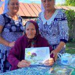 Сотрудники Комплексного центра социального обслуживания населения Пугачевского района поздравили с 95-летием труженицу тыла