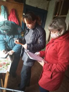 Специалисты КЦСОН Пугачевского района проводят межведомственные рейды по семьям «группы риска»