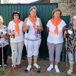 Представители старшего поколения Пугачевского района осваивают скандинавскую ходьбу